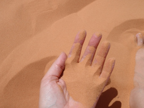 Touch the earth red sand: Miriam Delicado